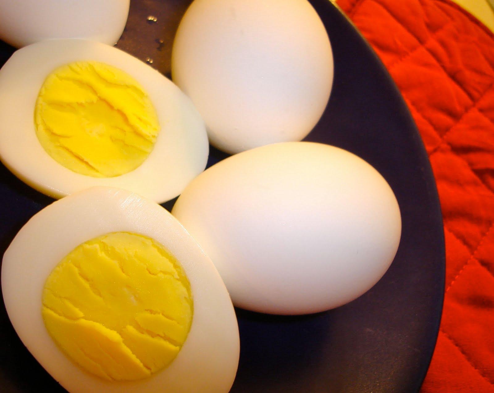 http://www.thetruecare.com/wp-content/uploads/2013/12/hard-boiled-eggs.jpg