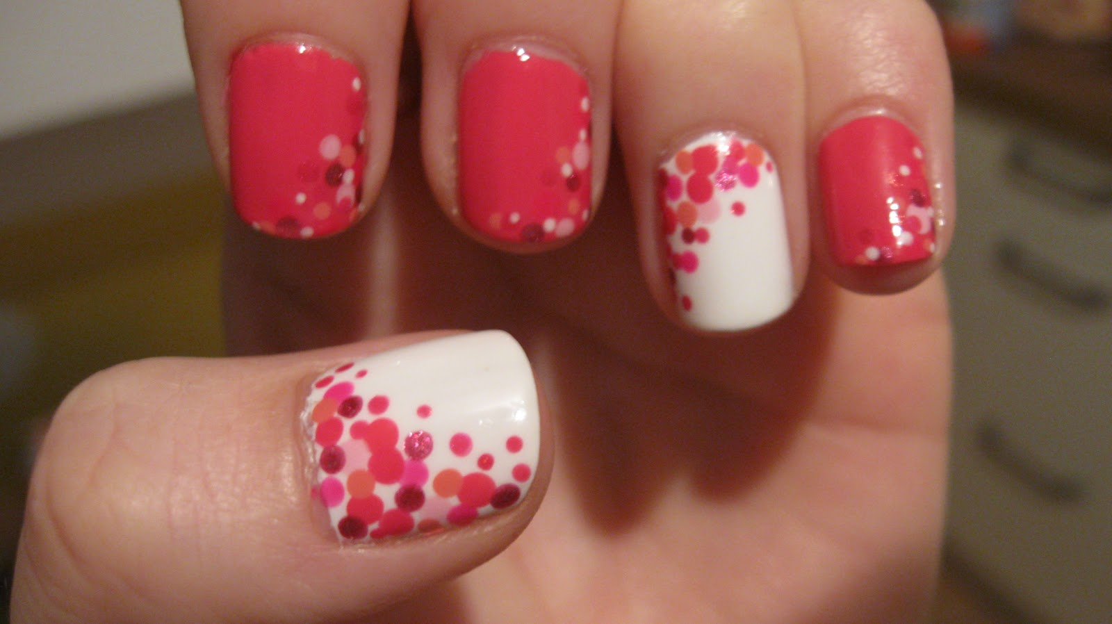 polka dots nails